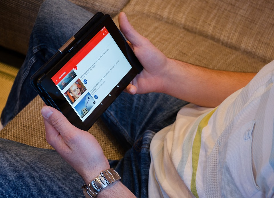 Watching-YouTube-Tablet-Videos